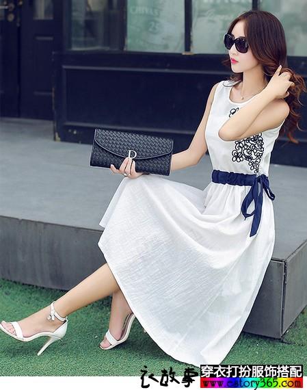 复古刺绣棉麻连衣裙