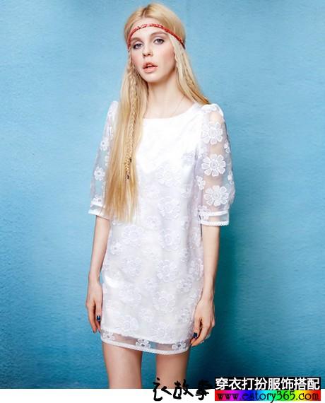 蕾丝欧根纱圆领连衣裙