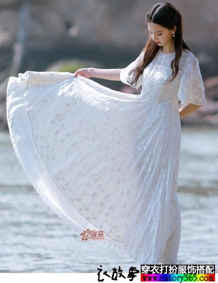 高腰大摆蕾丝长裙