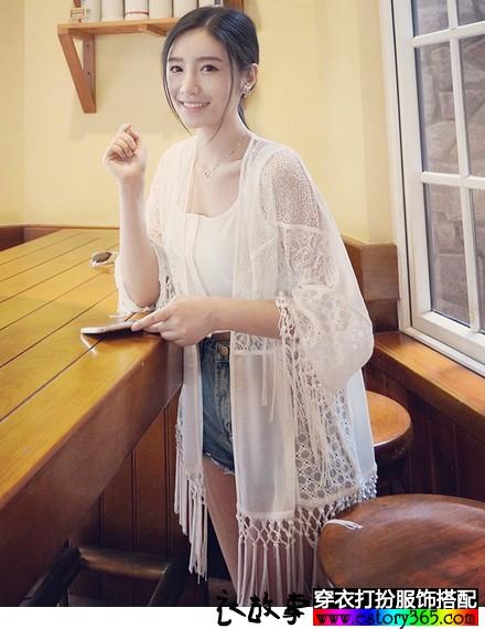 蕾丝勾花流苏雪纺衫