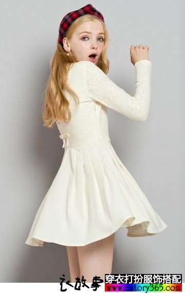 纯色蕾丝A字裙