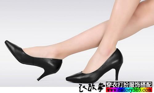 简洁尖头真皮单鞋