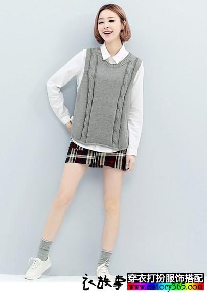 圆领套头纯色针织麻花纹马甲