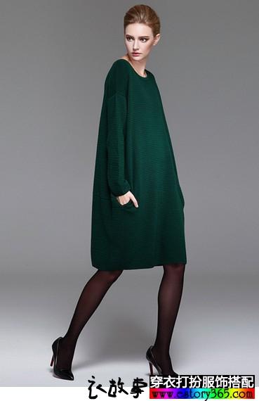 宽松圆领针织连衣裙
