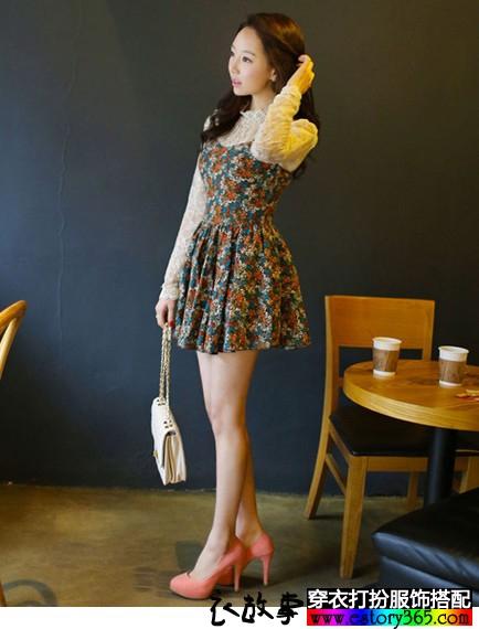 印花连衣裙蕾丝罩衫套装