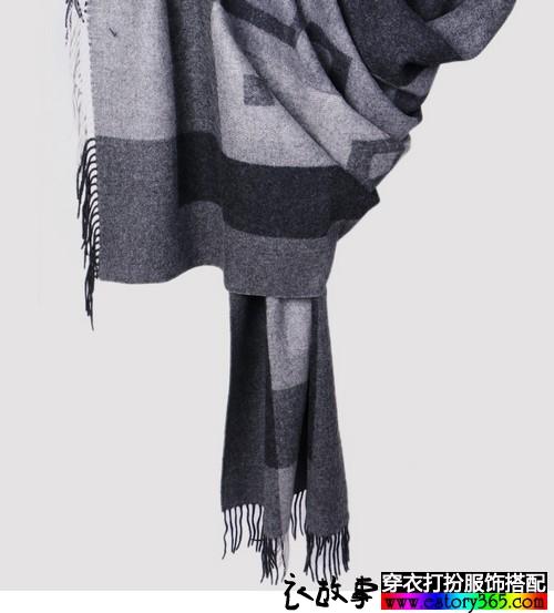 格纹流苏羊毛披肩围巾