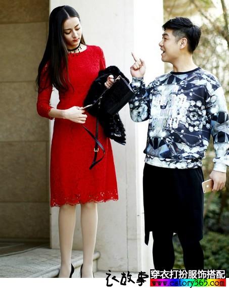 纯色蕾丝镂空七分袖连衣裙