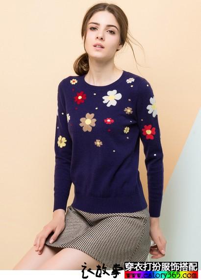 花朵圆领山羊绒针织衫