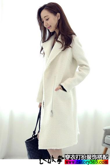 中长款修身白色毛呢外套