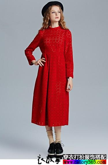 古典立领镂空连衣裙