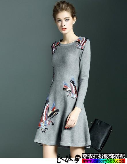 绣花圆领针织衫