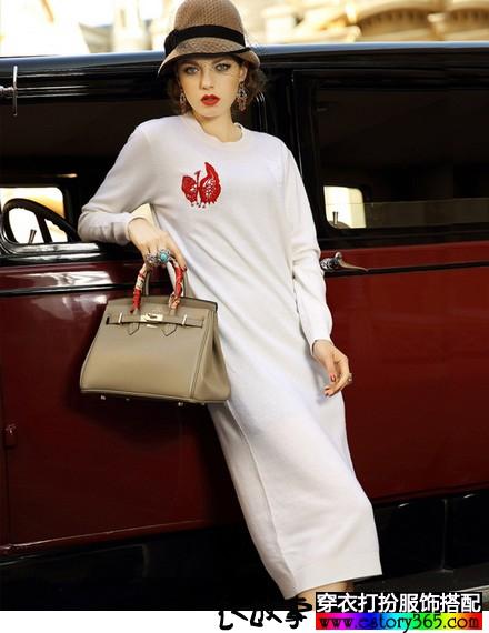 绣花针织羊毛连衣裙