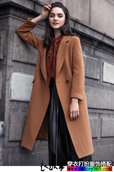 修身长款毛呢大衣