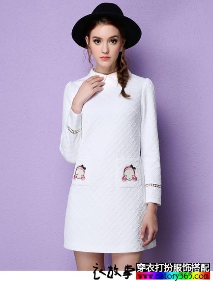 卡通刺绣白色连衣裙