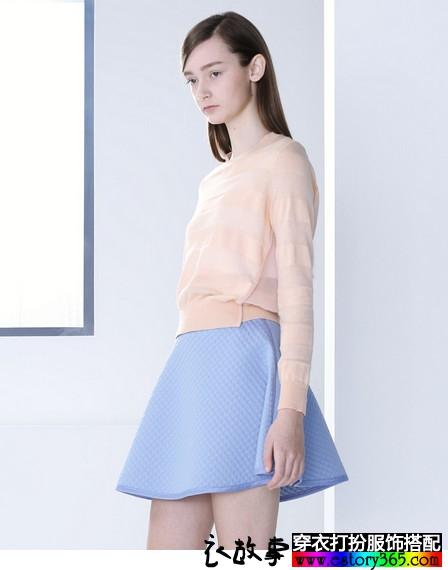 纯色A字半身裙