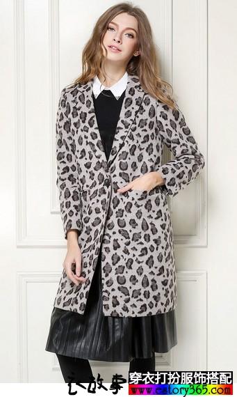 修身西装领豹纹毛呢大衣