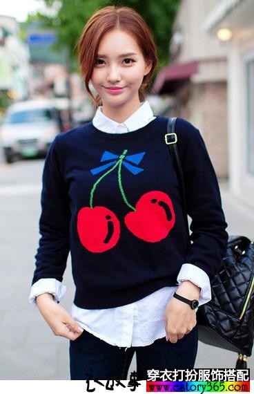 樱桃刺绣针织衫