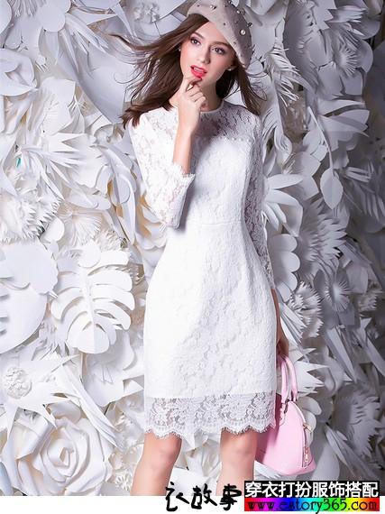 纯色蕾丝修身连衣裙搭配