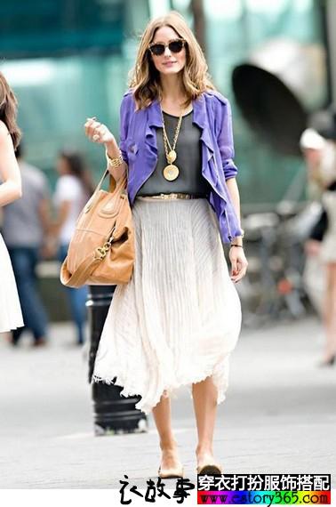 百褶裙的魅力,让你美得热烈