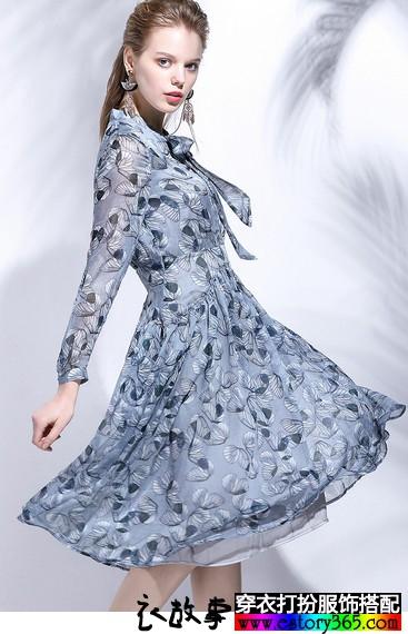 荷叶领蝴蝶结印花连衣裙
