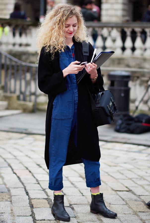 肉肉太多?来看看这款在伦敦街头出现的藏肉神器牛仔连身裤