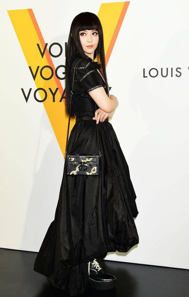 Louis Vuitton东京展览 范冰冰变身二次元少女