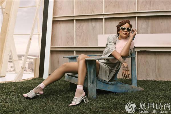 来看看Rihanna与Stance合作推出的联名袜饰系列
