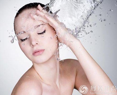 想美白 洗脸和护肤品一样重要