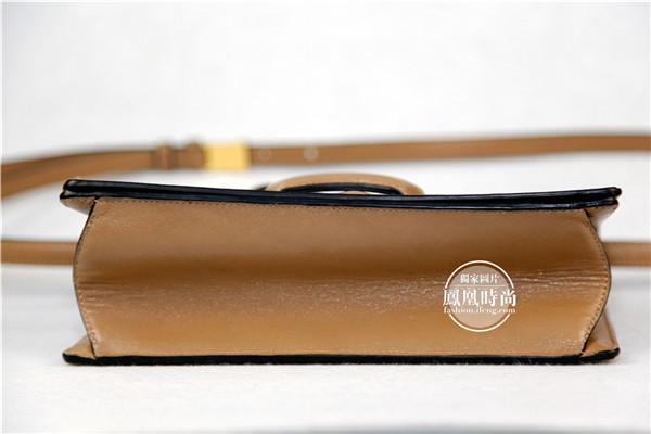 实测Loewe Barcelona三角包 最轻的小包最贴心的设计