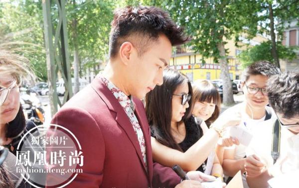 从机场帅到秀场 这样迷人的刘恺威你能不爱?