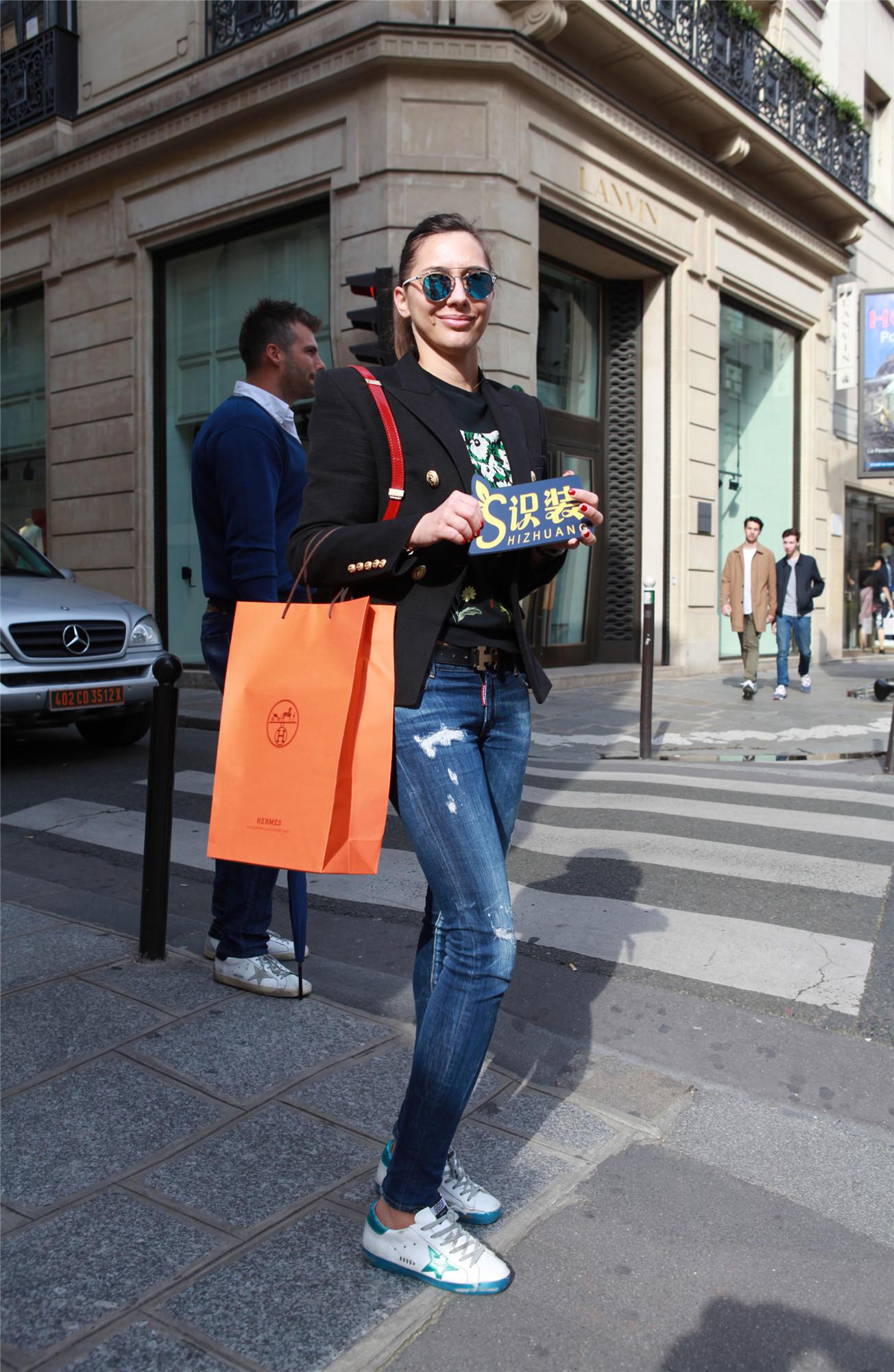 壕气巴黎女生用爱马仕和迪奥配小脏鞋