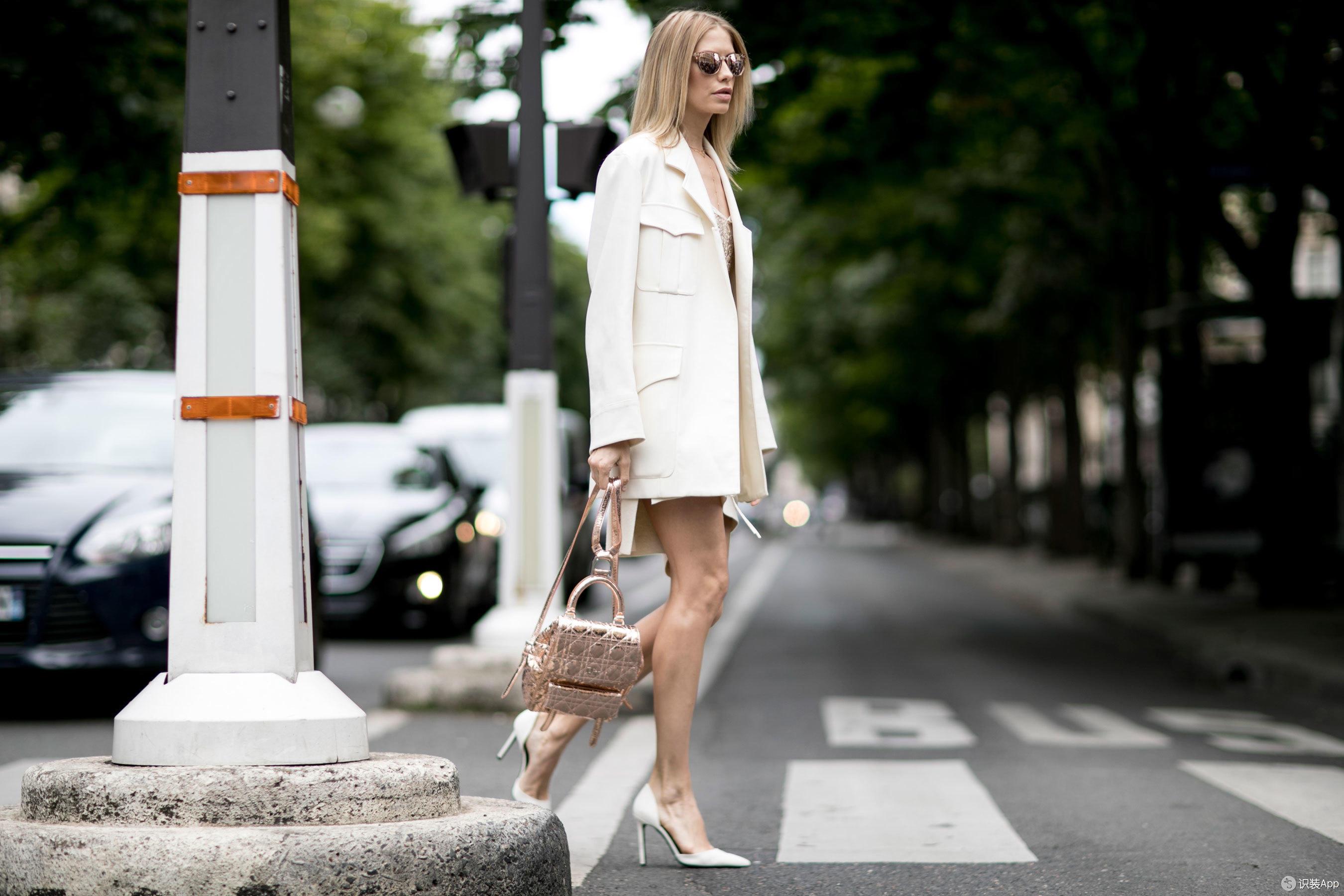 巴黎高定时装周街拍 日程再紧也坚持一天两换