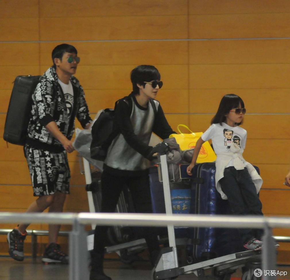 明星们的行李箱用处可比想象中多得多!