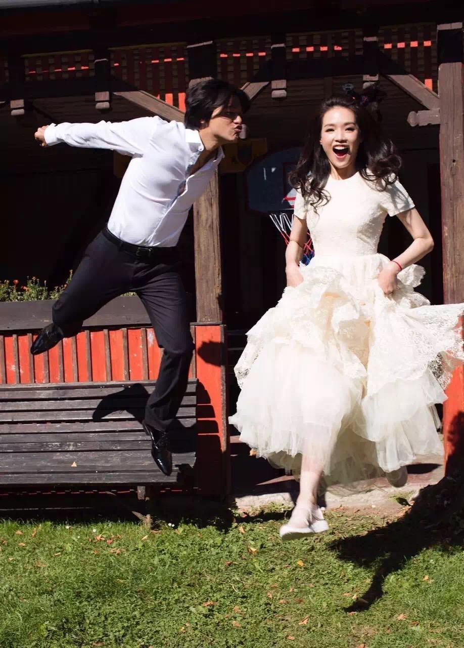 不到5000块的婚纱配球鞋 舒淇与冯德伦的爱情太低调甜蜜