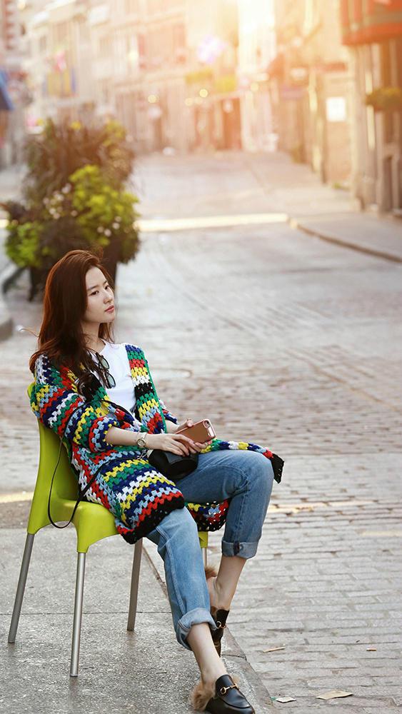刘亦菲最新大片曝光 这样的彩虹女神看一万遍都不嫌腻!