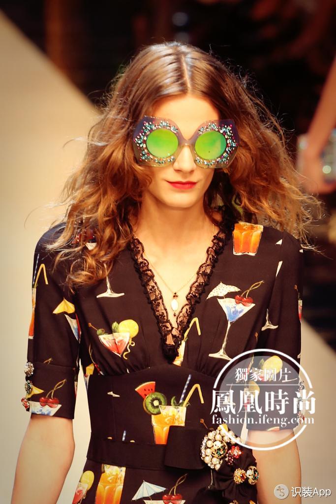 美食穿上身的Dolce&Gabbana豪气包下米兰最繁华名牌街