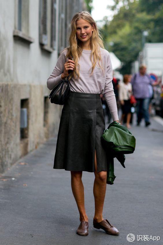 原来彰显贵气的利器竟是这些款式各异的皮裙