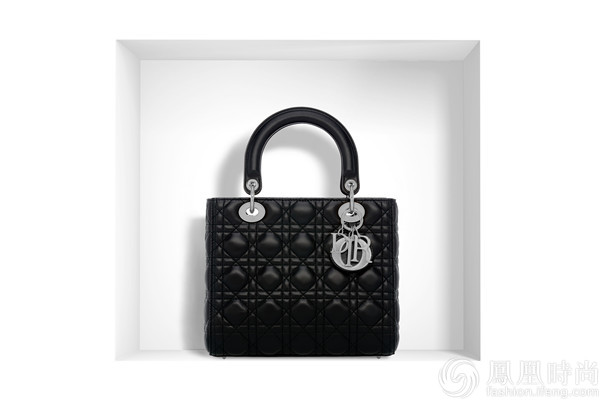 戴安娜王妃最爱的包出了中国版 刘亦菲立刻背上了