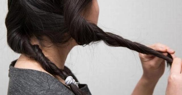 烫发后发尾干枯经常梳不开?这12个技巧献给卷发星人!
