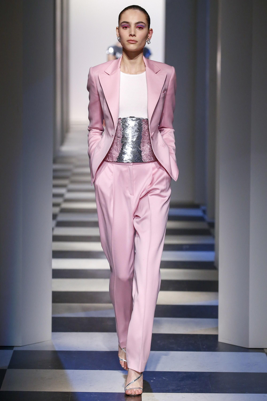 丝绒、网袜霸占T台 但不能忽视纽约时装周这50件美好西装