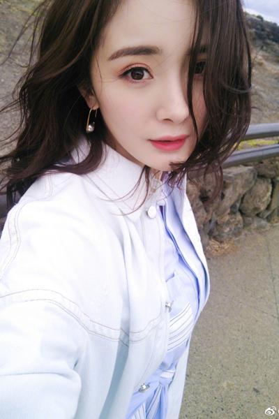 浪漫不羁刘雯卷 看到推送的亲太眼福!